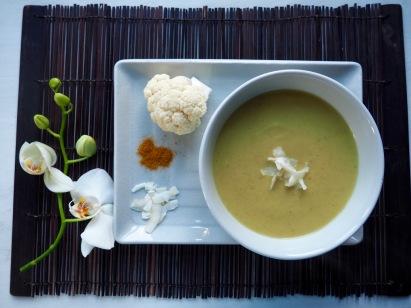 Bloemkoolsoep met curry en kokos
