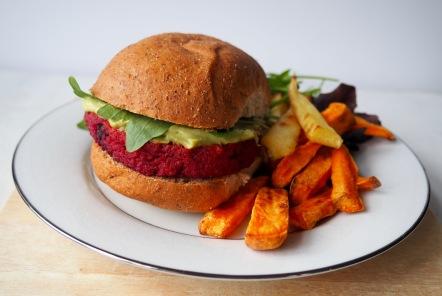 veggie burger rode biet