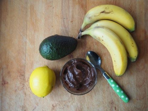 Avocado and chocolate cream
