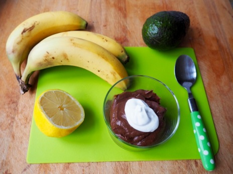 Avocado and chocolate cream