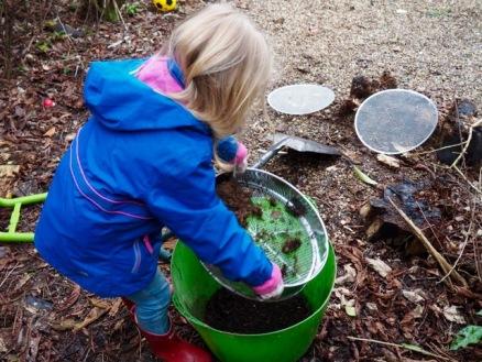 Kinderen in de groentetuin