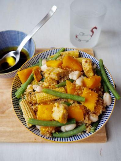 Quinoa salade met mango en bonen